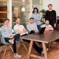 Das Team von BLP Digital mit den Brüdern Sven Beck (2.v.l.) und Tim Beck (2.v.r.) (Bild: Stefan Weiss / ETH Zürich)